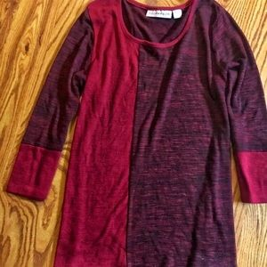 🌺bogo🌺Maroon and black three-quarter sleeve top